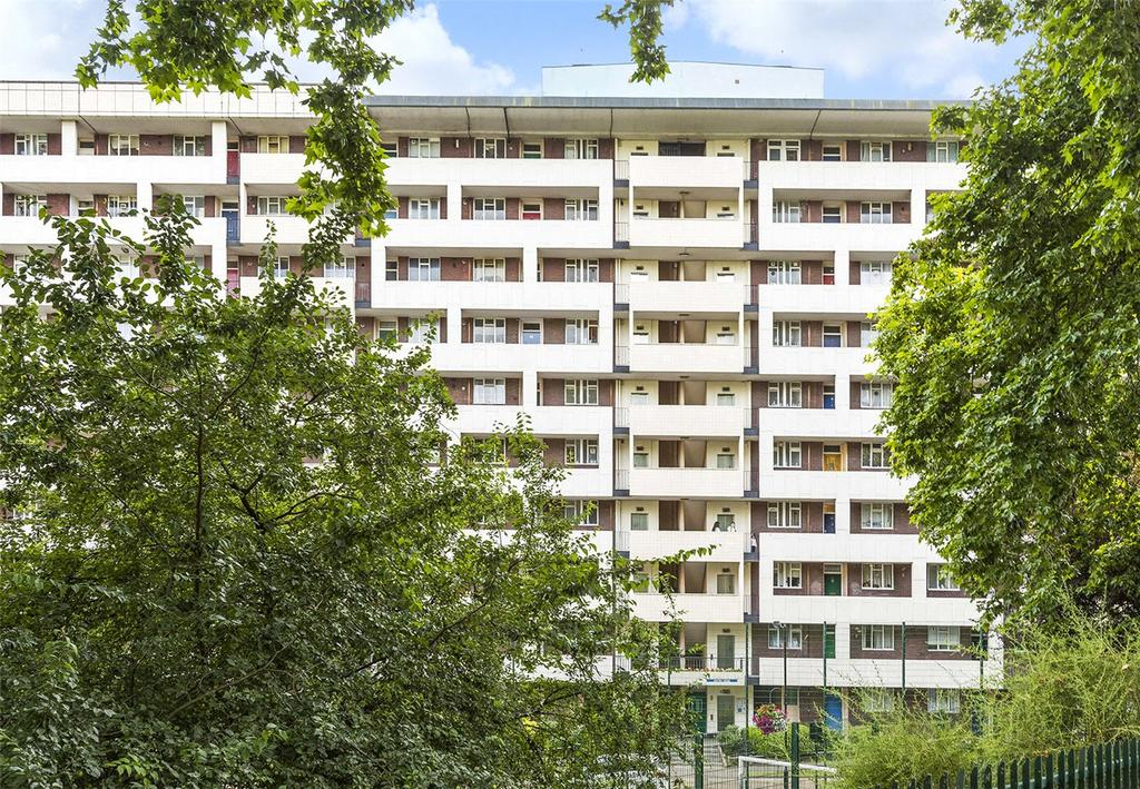 2 Bedrooms Flat for sale in Exeter House, Hallfield Estate, London, W2