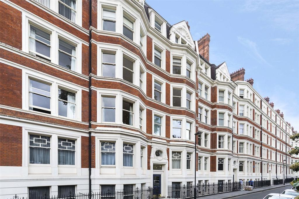 3 Bedrooms Flat for sale in Ridgmount Gardens, London, WC1E