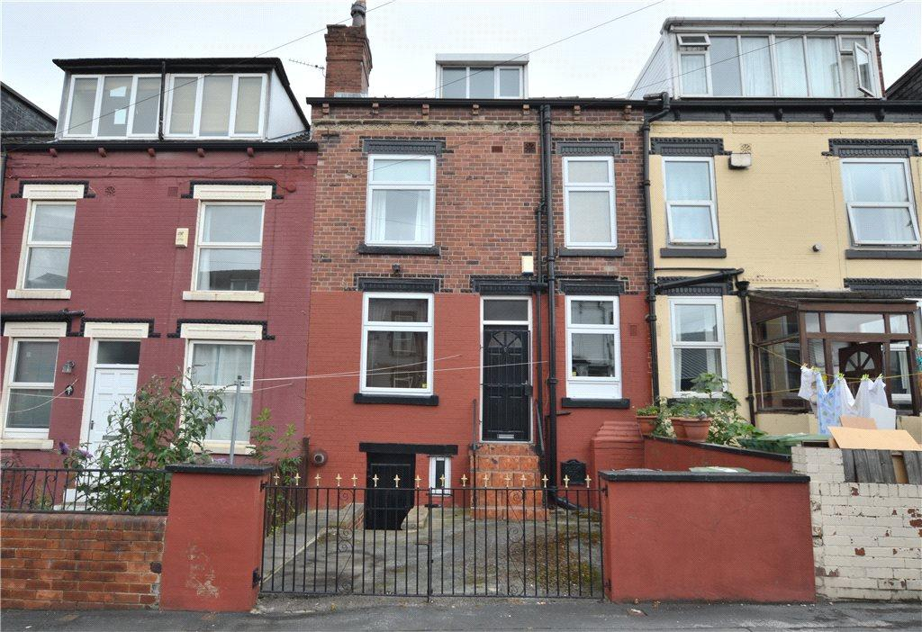 2 Bedrooms Terraced House for sale in Clifton Grove, Harehills, Leeds