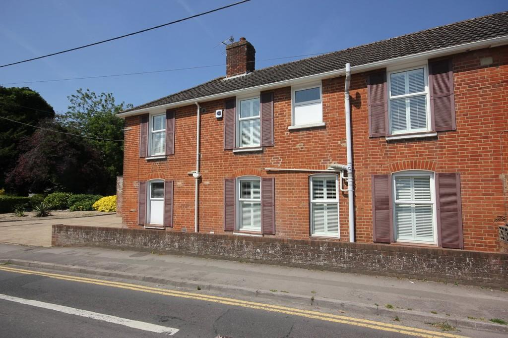3 Bedrooms Semi Detached House for sale in CHURCH ROAD, LAVERSTOCK, WILTSHIRE, SP1 1QX