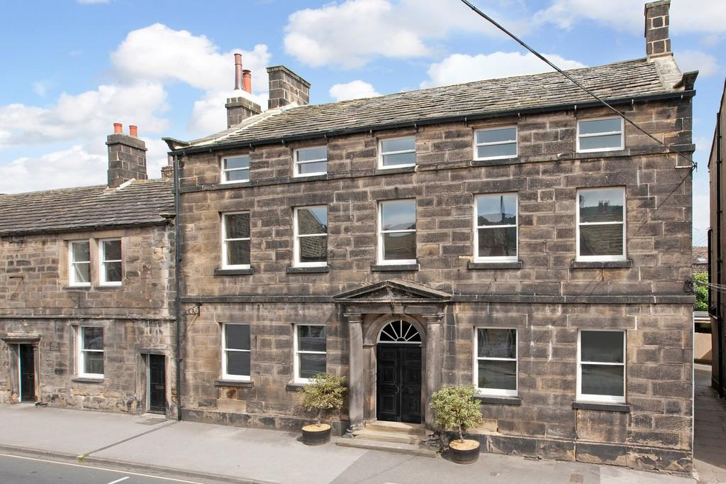 2 Bedrooms Town House for sale in Boroughgate, Otley
