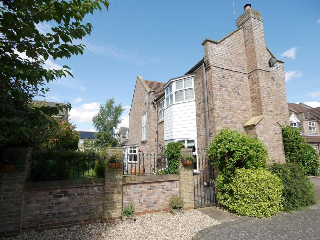 4 Bedrooms Detached House for sale in The Willows Howden