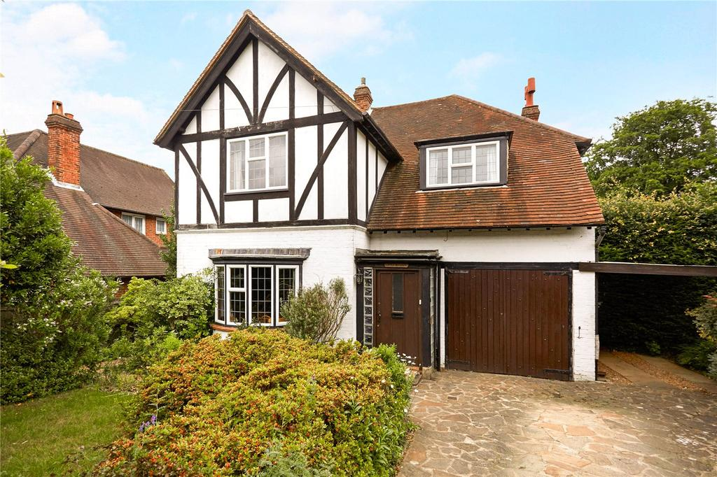 4 Bedrooms Detached House for sale in Oak Way, Reigate, Surrey, RH2