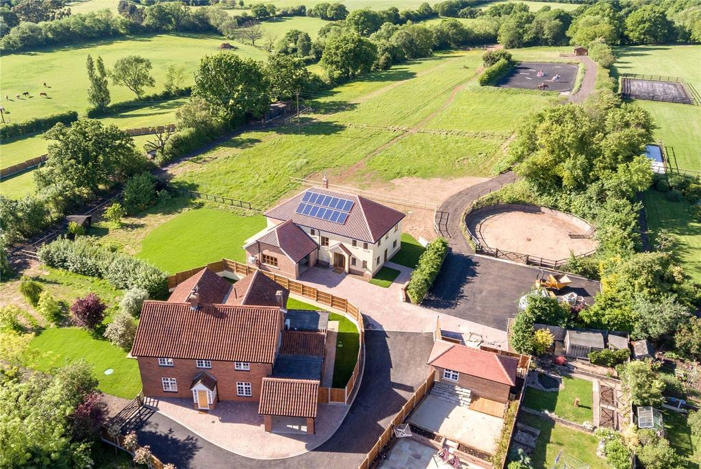 5 Bedrooms Equestrian Facility Character Property for sale in East Hanningfield Road, Rettendon Common, Chelmsford, CM3