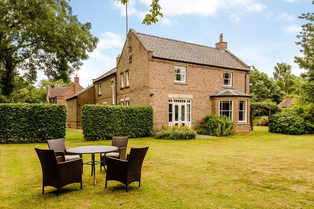 5 Bedrooms Detached House for sale in Granary Court, Main Street, Wilsford, Grantham, NG32