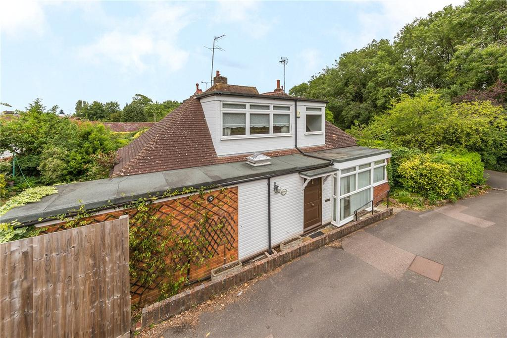 3 Bedrooms Semi Detached House for sale in West Common, Harpenden, Hertfordshire