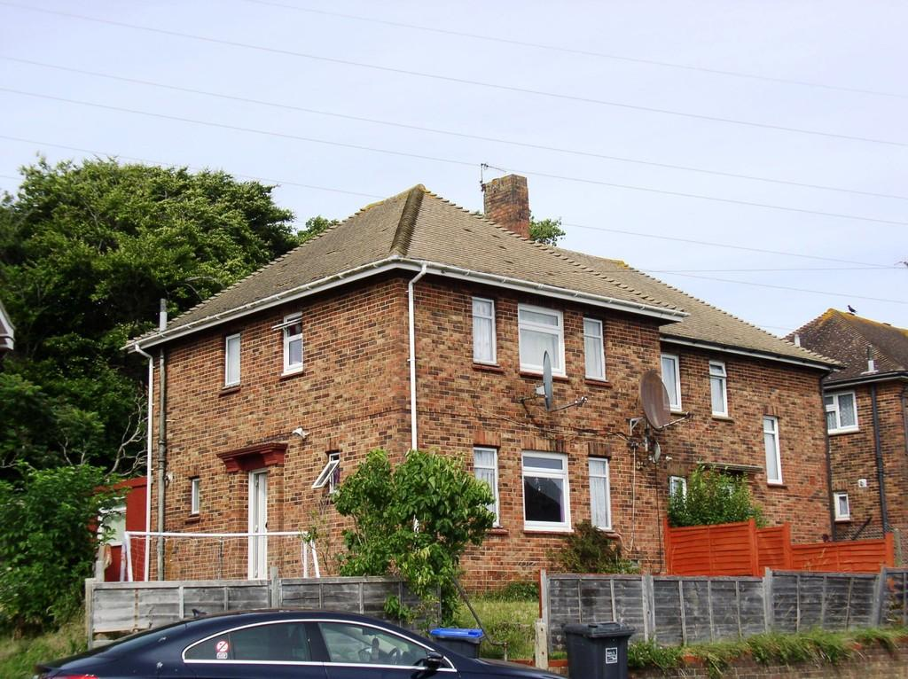 4 Bedrooms Semi Detached House for sale in Southwick