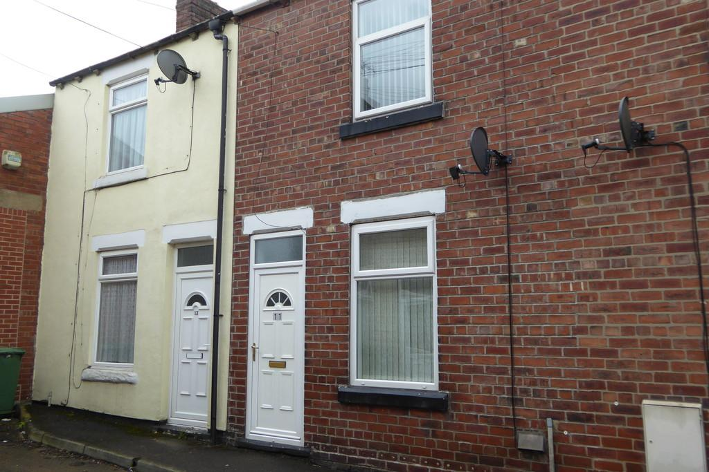 2 Bedrooms Terraced House for sale in Wilson Street, PONTEFRACT, West Yorkshire