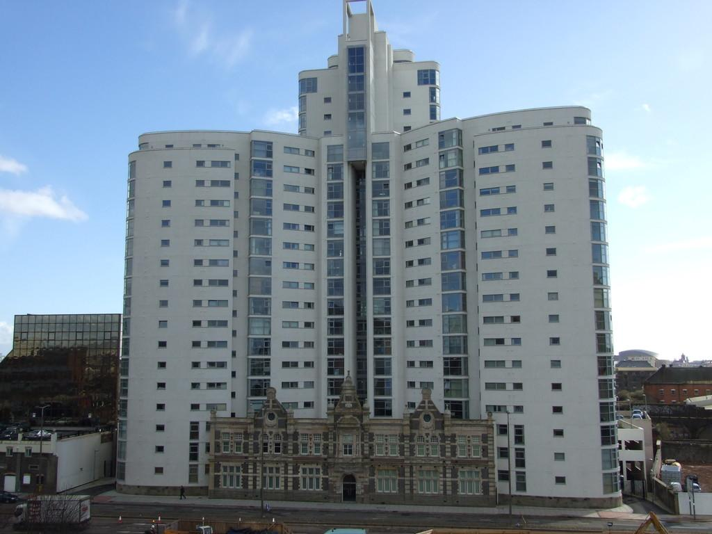 1 Bedroom Apartment Flat for sale in Altolusso, Bute Terrace, Cardiff City Centre
