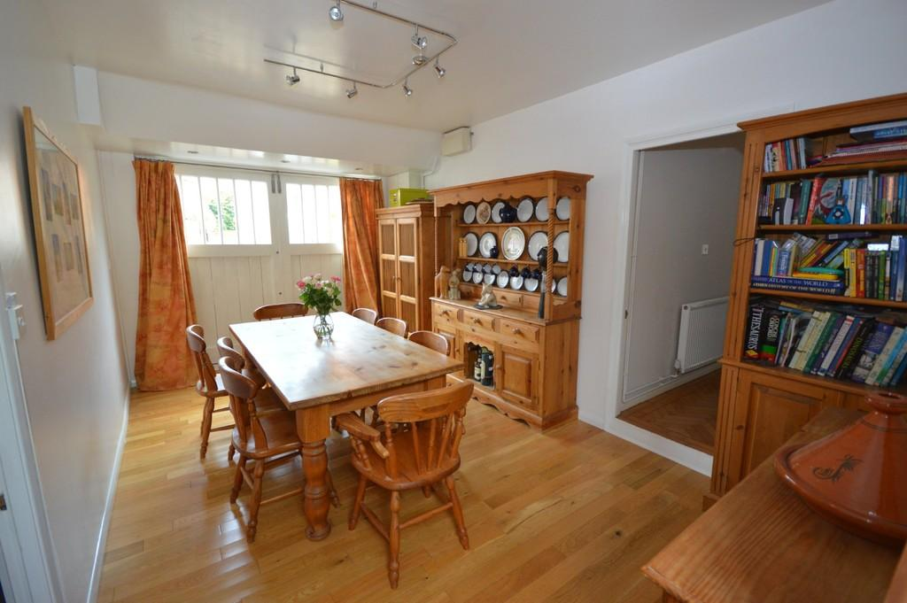 3 Bedrooms Link Detached House for sale in Chapel Street, Rowhedge