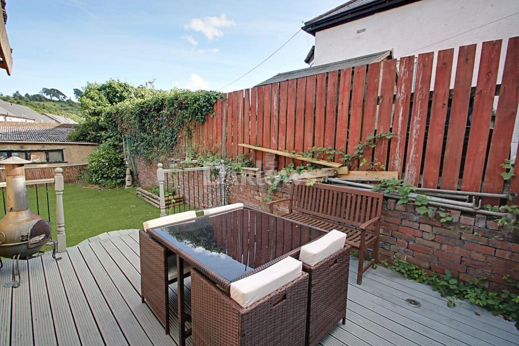 3 Bedrooms Detached House for sale in Blaendare Road, Pontymoile, Pontypool