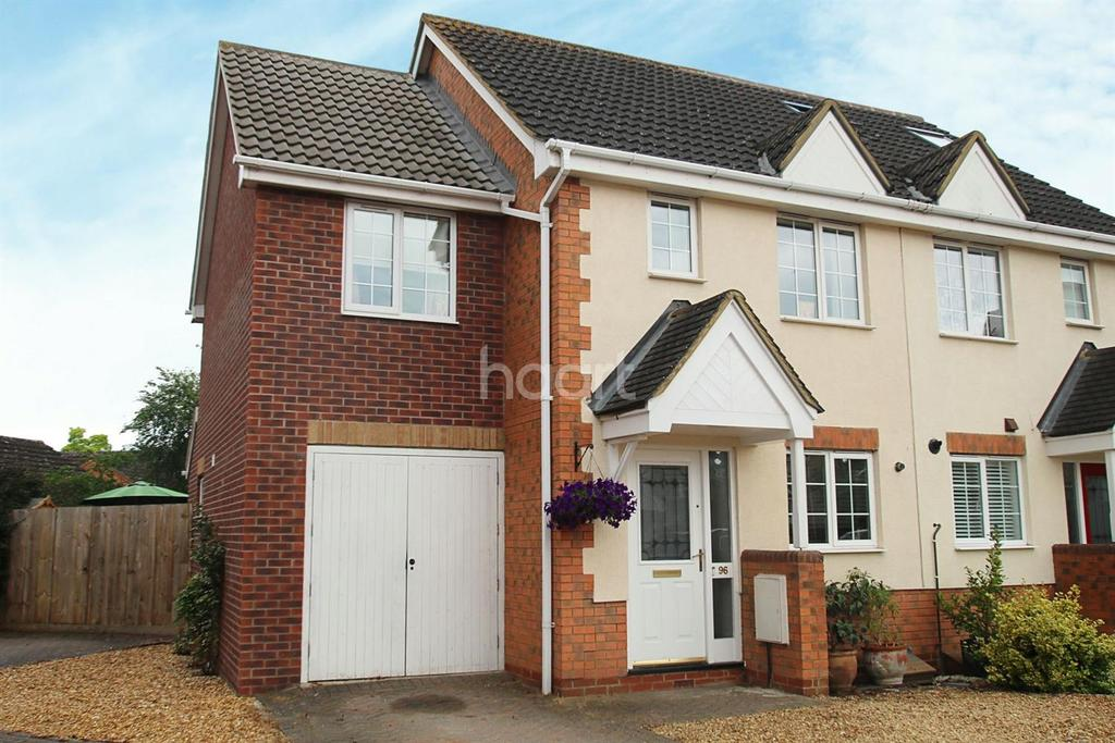 3 Bedrooms Semi Detached House for sale in Moat Way, Swavesey