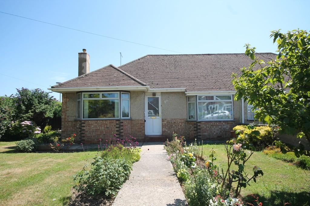 2 Bedrooms Semi Detached Bungalow for sale in Greet Road, Lancing, BN15 9NS