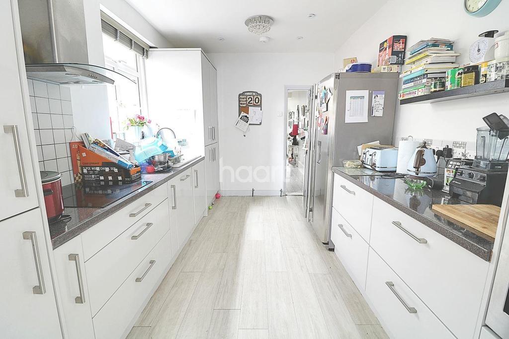 3 Bedrooms Terraced House for sale in Corbett Road , Walthamstow