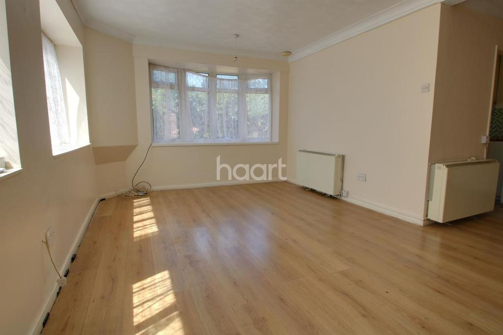 3 Bedrooms Semi Detached House for sale in York Cottages