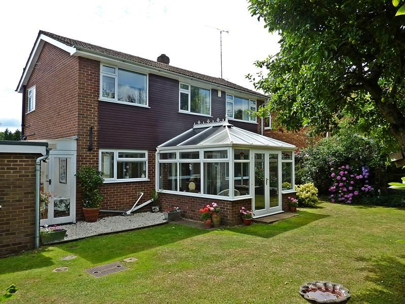 3 Bedrooms Detached House for sale in FLACKWELL HEATH