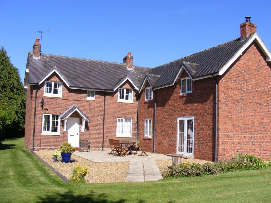 4 Bedrooms Equestrian Facility Character Property for sale in Salisbury Hill Cottage