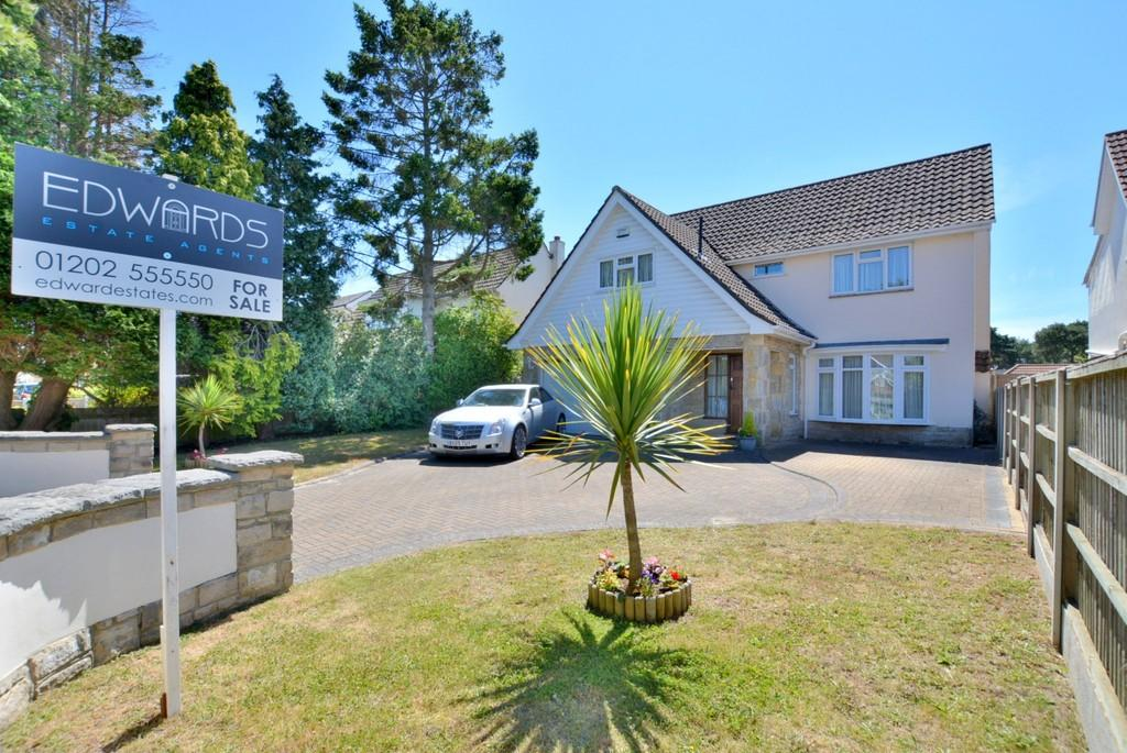 4 Bedrooms Detached House for sale in Feversham Avenue, Queens Park, Bournemouth