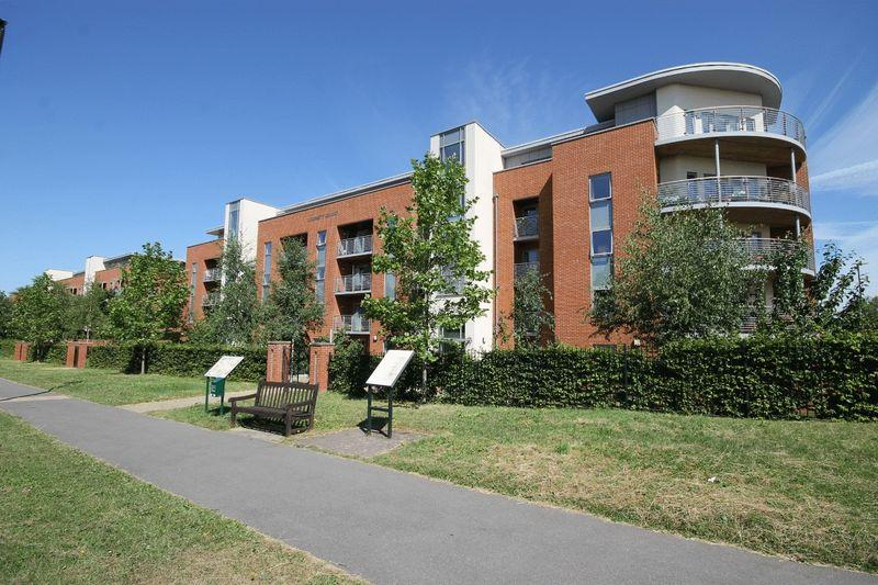 2 Bedrooms Retirement Property for sale in The Brow, Burgess Hill, West Sussex