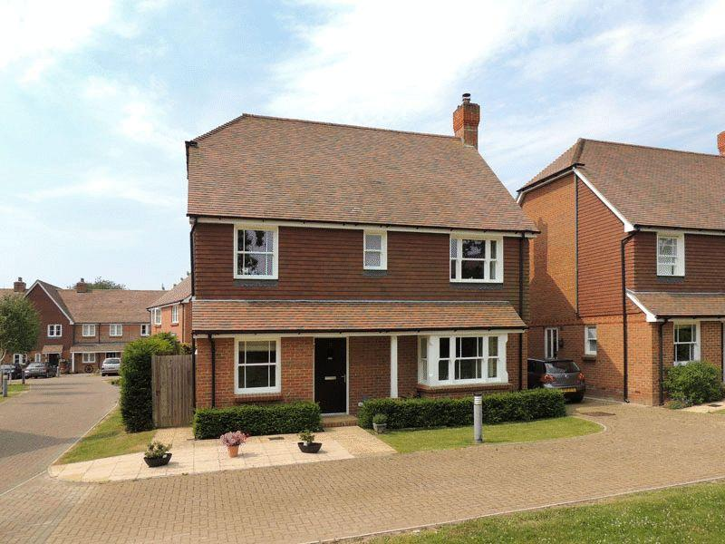 4 Bedrooms Detached House for sale in Trug Close, East Hoathly, East Sussex
