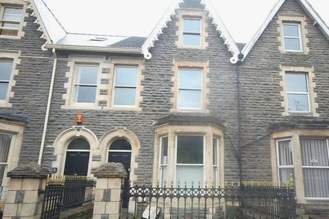 End of terrace house to rent - 19 Victoria Gardens, Neath, SA11 3AY
