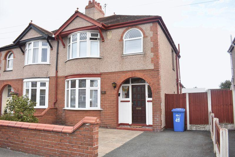 4 Bedrooms Semi Detached House for sale in Clifton Park Road, Rhyl