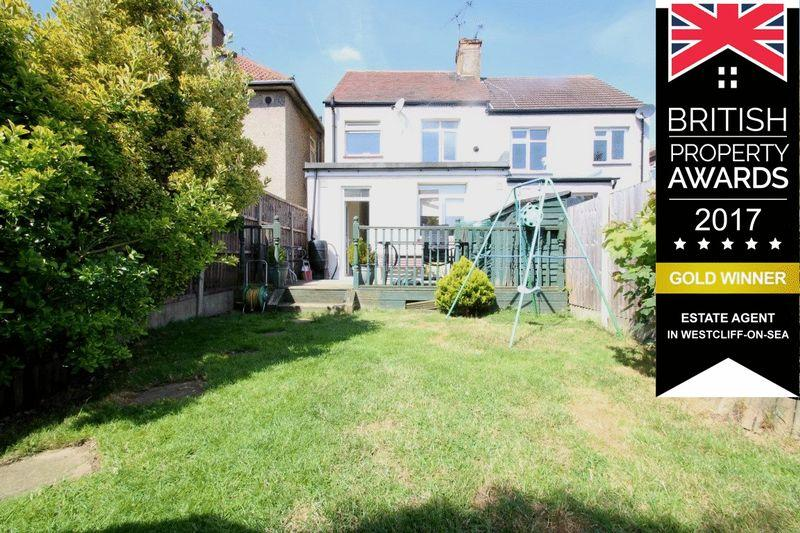 3 Bedrooms Semi Detached House for sale in St Georges Park Avenue, Westcliff-On-Sea