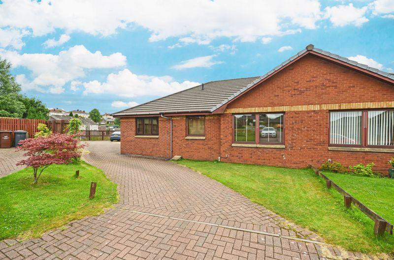 3 Bedrooms Semi Detached Bungalow for sale in Barr Farm Road, Kilsyth