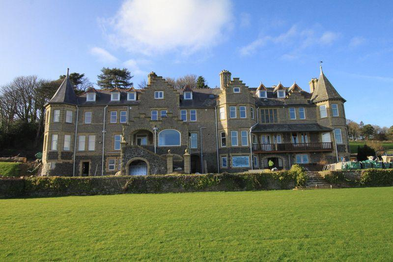 2 Bedrooms Apartment Flat for sale in Menai Bridge, Anglesey