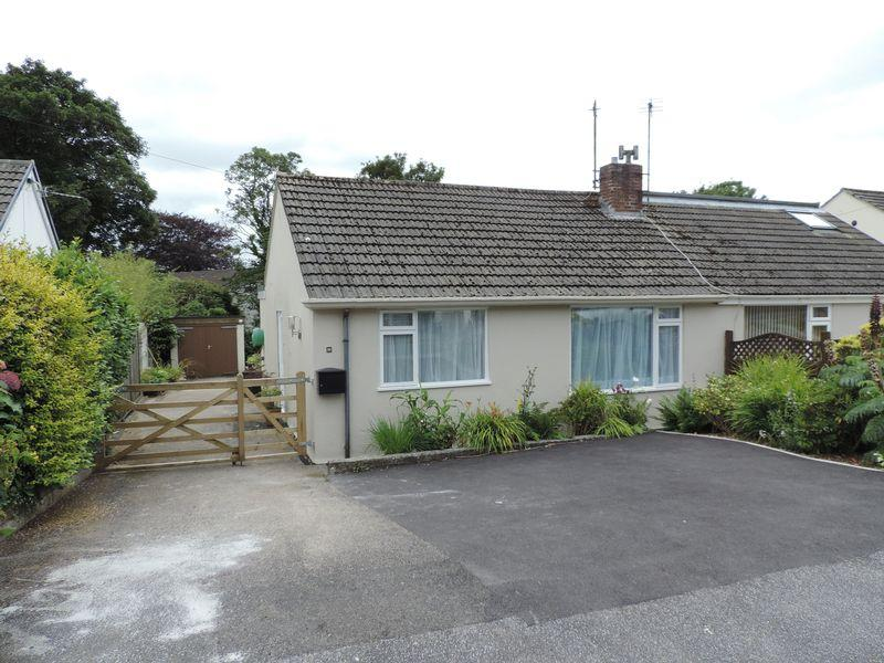 2 Bedrooms Semi Detached Bungalow for sale in Moresk Close, Truro
