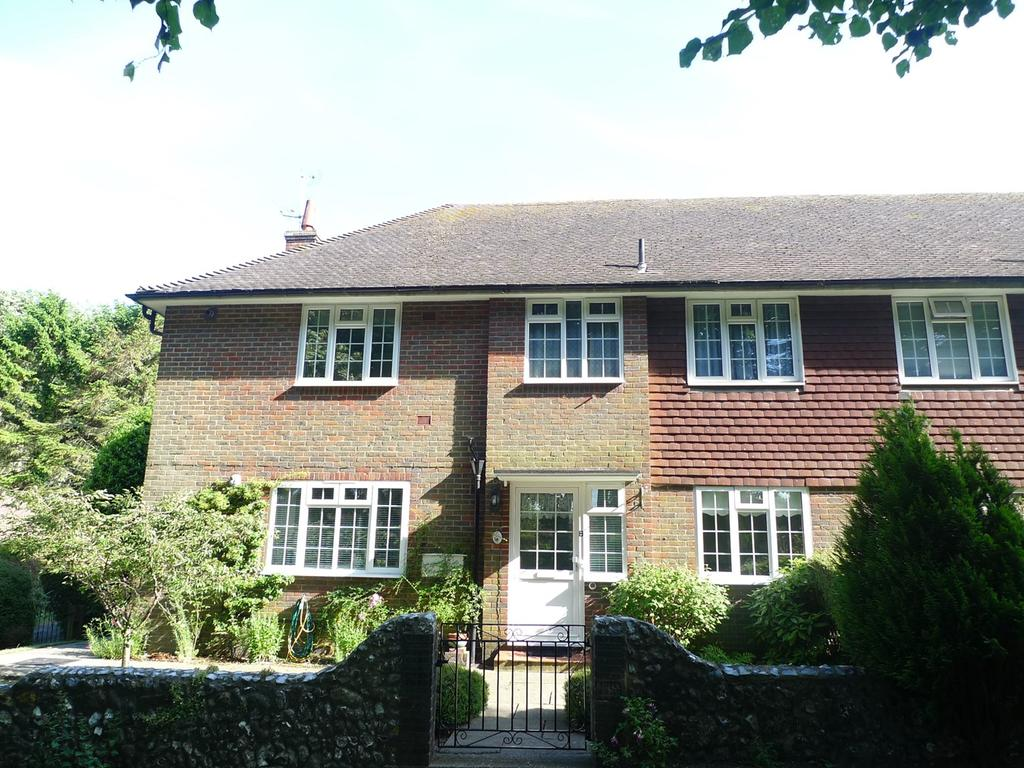 2 Bedrooms Apartment Flat for sale in Ratton Drive, Eastbourne, BN20