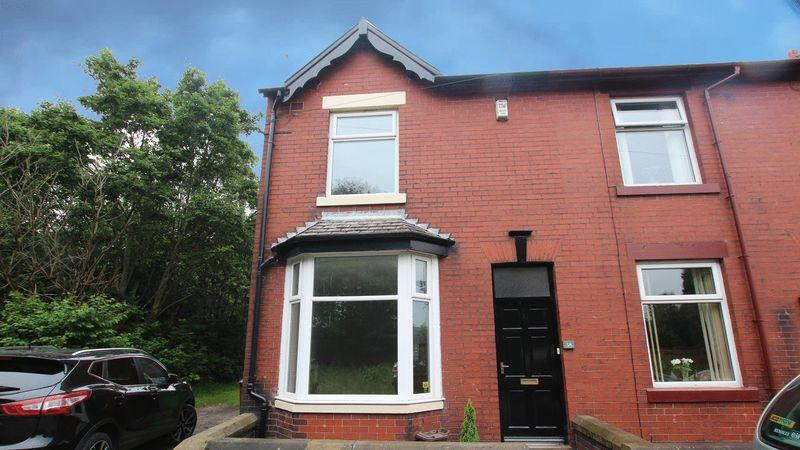 3 Bedrooms Terraced House for sale in Brown Street, Littleborough, OL15 8BW