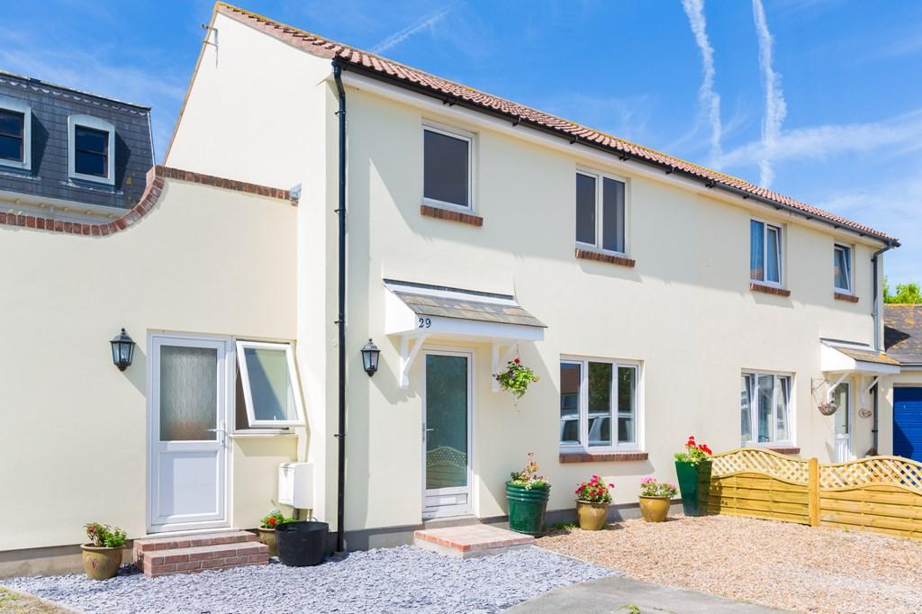 3 Bedrooms Semi Detached House for sale in Les Banques, St. Sampson, Guernsey