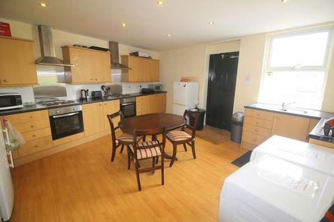 Studio to rent - Knowsley Road, Bootle   All bills and Wifi are included
