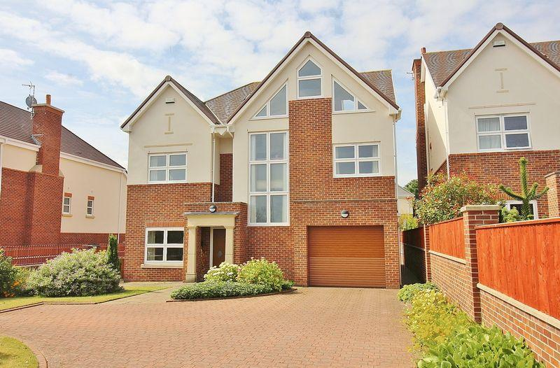 5 Bedrooms Detached House for sale in Shore Road, Ainsdale