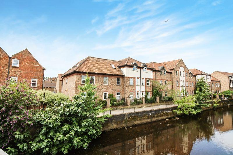 2 Bedrooms Apartment Flat for sale in Waterside, Ripon
