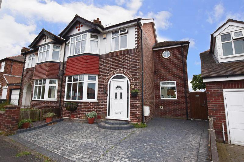 4 Bedrooms Semi Detached House for sale in Highfield Road, Lymm