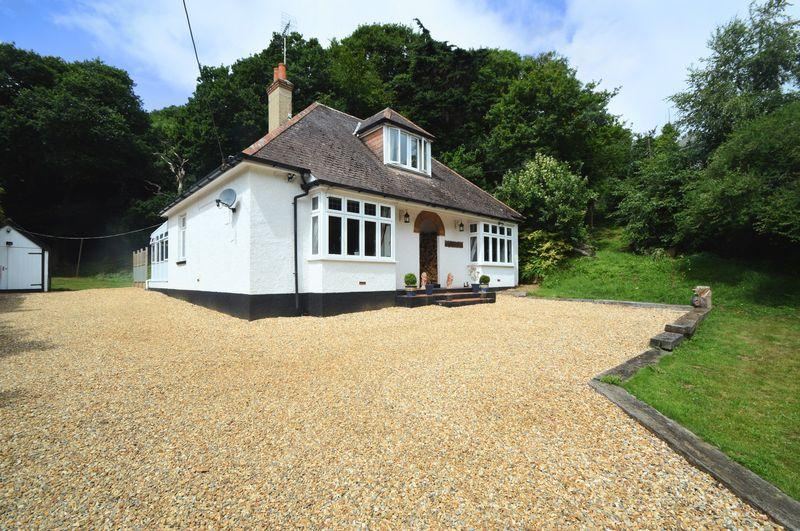 5 Bedrooms Detached House for sale in ALVERSTONE GARDEN VILLAGE