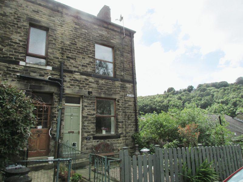 2 Bedrooms Terraced House for sale in Lee View, Hebden Bridge