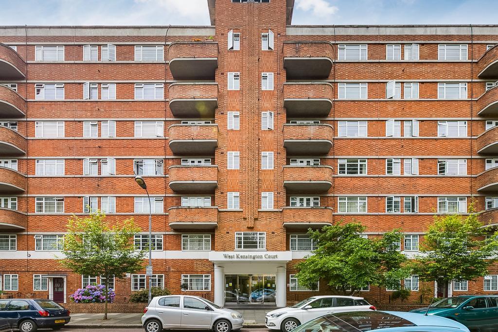 2 Bedrooms Flat for sale in West Kensington Court, Edith Villas, London