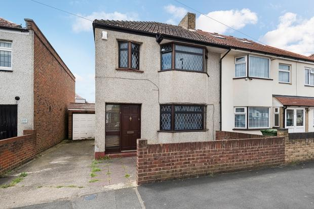 3 Bedrooms Semi Detached House for sale in Elsa Road, Welling, DA16