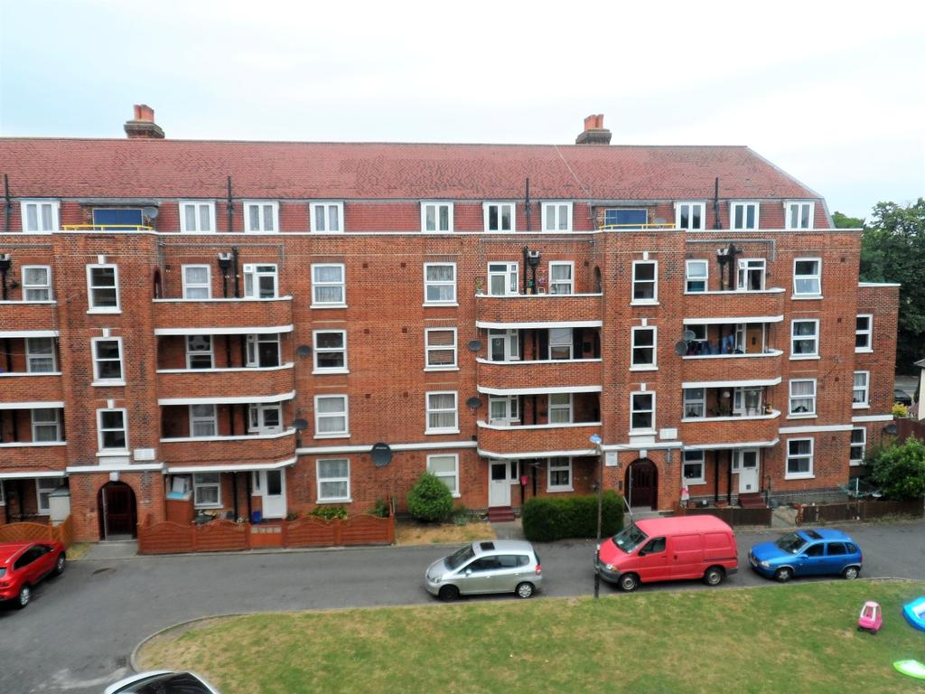 2 Bedrooms Flat for sale in Morden SM4