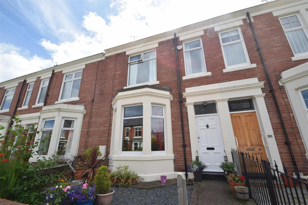 5 Bedrooms Terraced House for sale in Beach Avenue, Whitley Bay