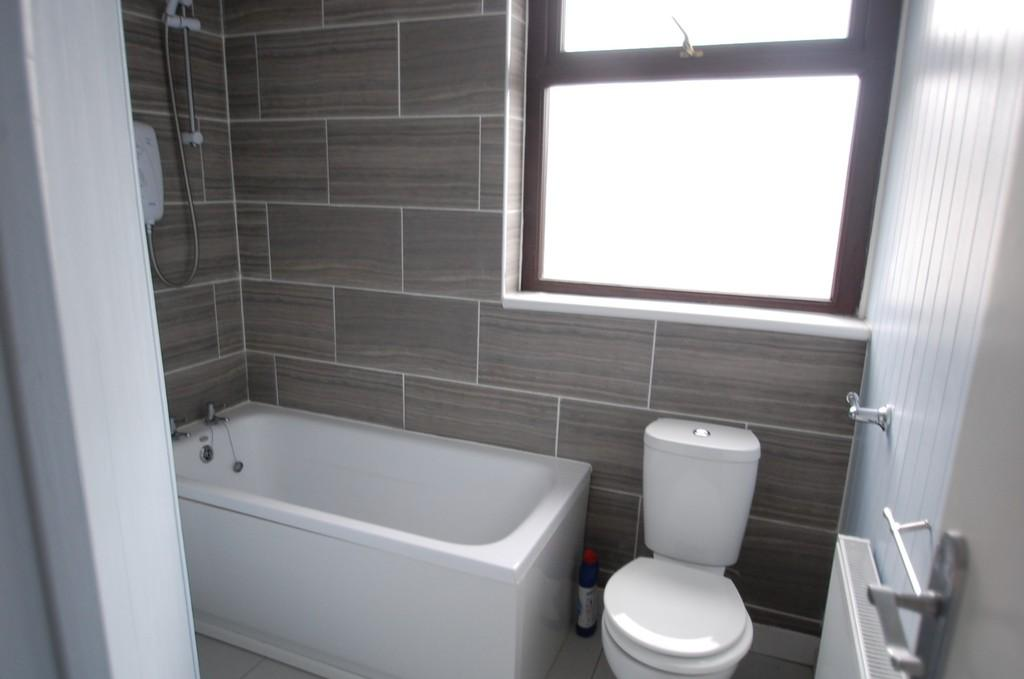 2 Bedrooms Terraced House for sale in St. Huberts Road, Great Harwood