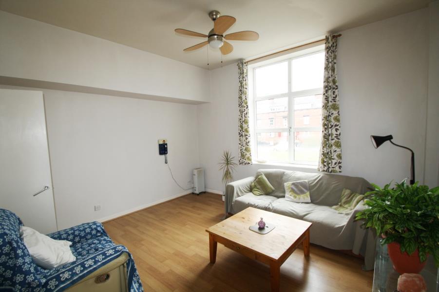 1 Bedroom Apartment Flat for sale in DENE HOUSE COURT, LEEDS, LS2 9BS