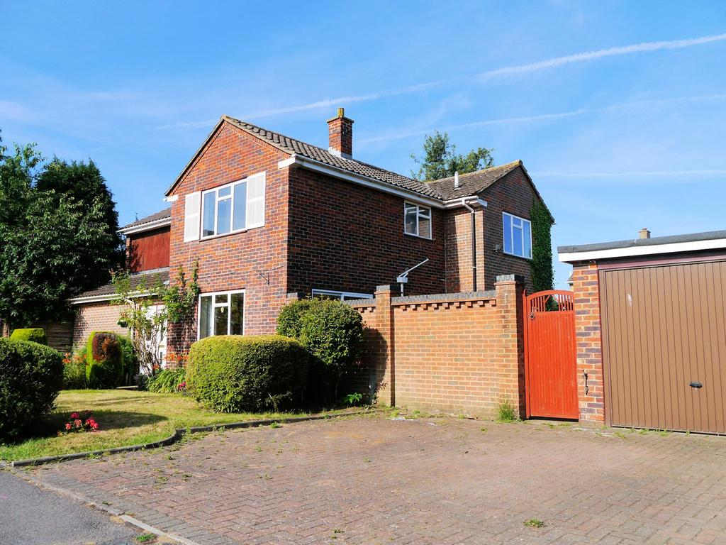 6 Bedrooms Detached House for sale in Marbeck Close, Windsor SL4