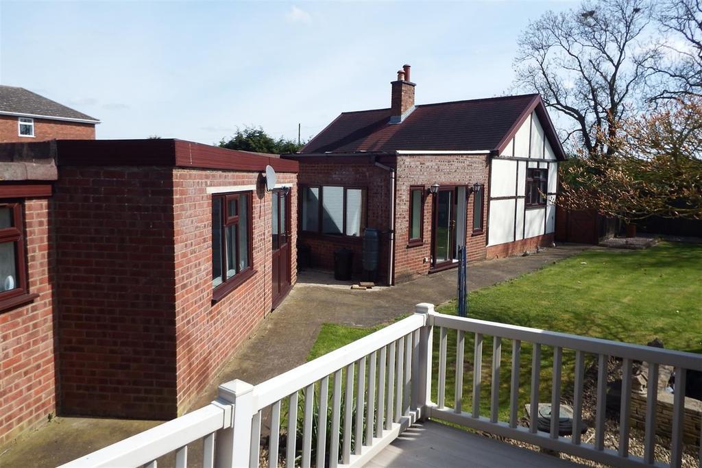 3 Bedrooms Detached Bungalow for sale in Gosberton Road, Surfleet, PE11
