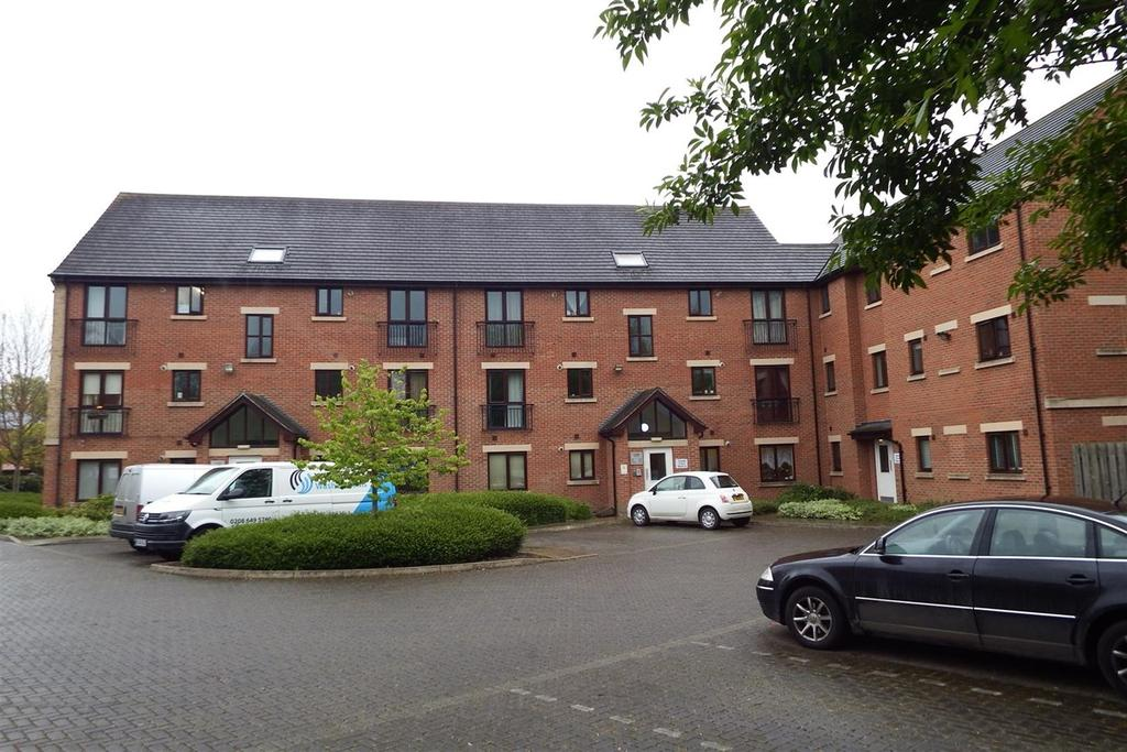 2 Bedrooms Ground Flat for sale in Cygnet Court, Spalding, PE11