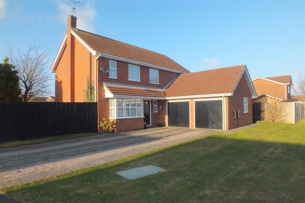 4 Bedrooms Detached House for sale in Brendon Walk, Spalding, PE11