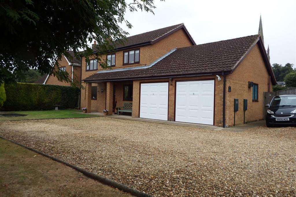 4 Bedrooms Detached House for sale in Shivean Gate, Moulton, PE12